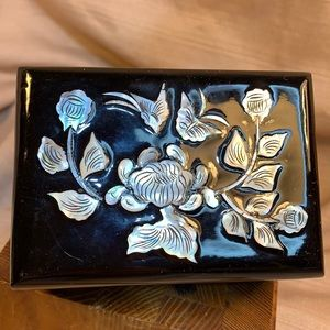 Mother of Pearl lacquered box vintage, antique